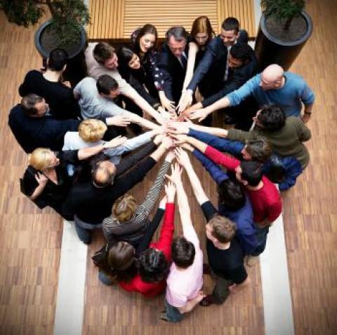 6 tipů na atraktivnější náborovou komunikaci  – 1. díl: Nechte lidi nahlédnout dovnitř.
